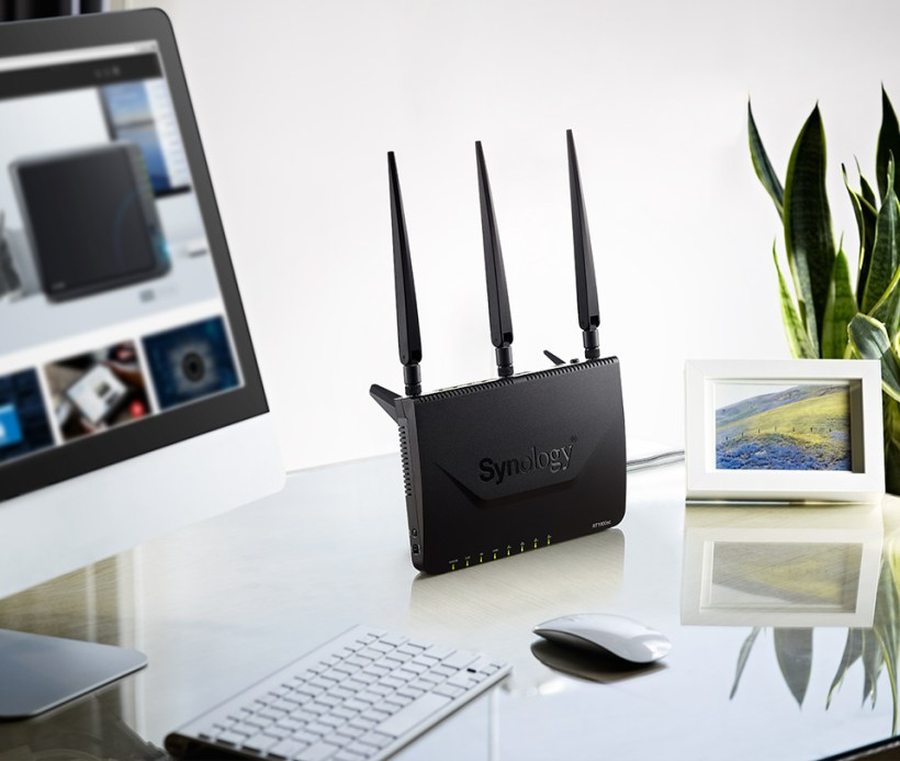 RT1900ac Router (1)