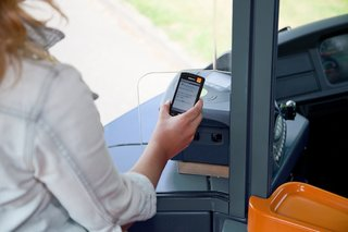 115611-apps-news-nfc-contactless-bus-tickets-trialled-by-everything-everywhere-and-stagecoach-image1-4dFPEc9hvY