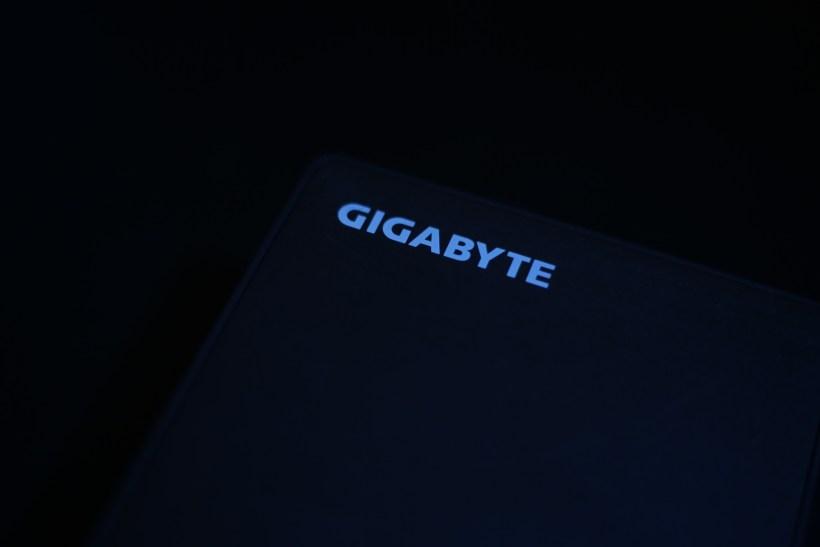 GIGABYTE BRIX BKi5HA-7200