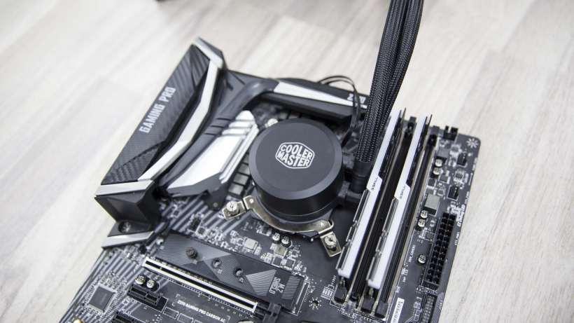 Cooler Master MasterLiquid ML240L RGB Z370 i7 8700K