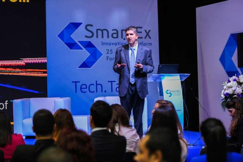 سمير عارف، الرئيس التنفيذي للعمليات لدى إس إيه بي لجنوب منطقة الشرق الأوسط يتحدث عن مستقبل إنترنت الأشياء خلال فعاليات SmartEx في لبنان.