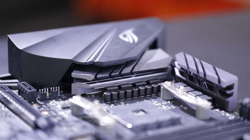 ASUS Strix B450-F Gaming (33)