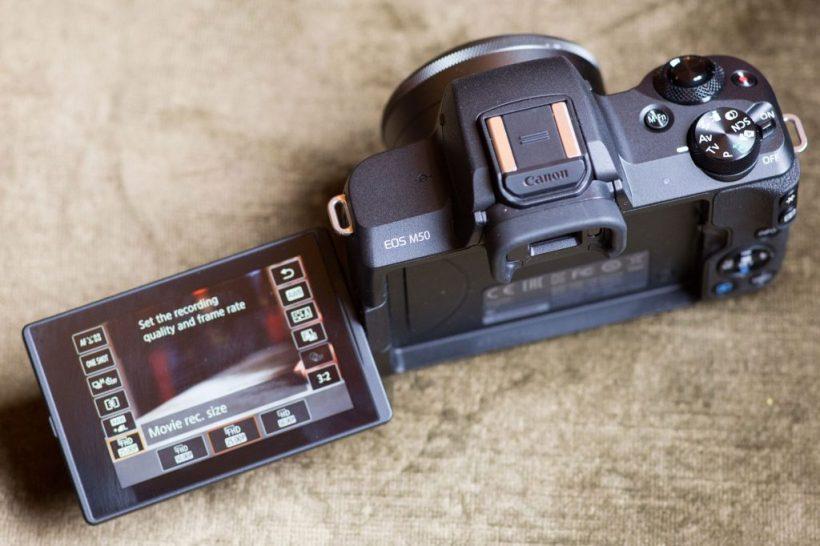 Canon EOS M50 Flip Screen