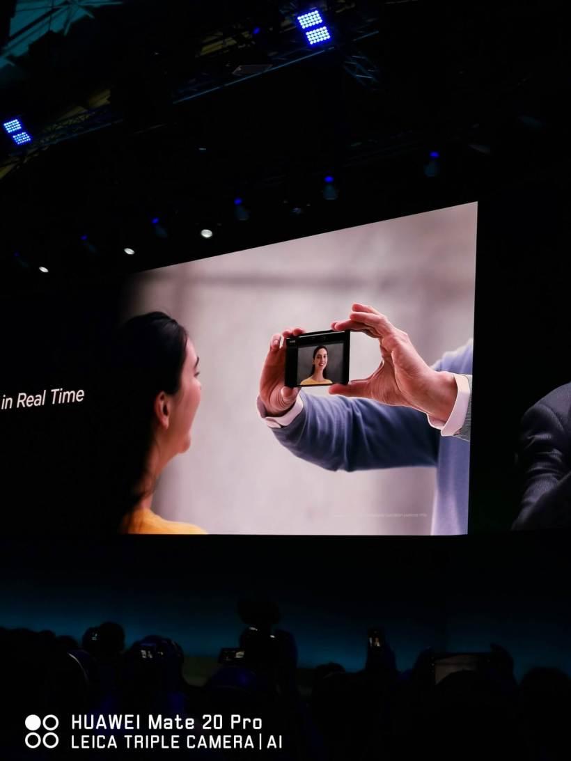 كاميرا هاتف Huawei Mate X