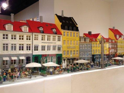 It's Nyhavn, but in Lego!