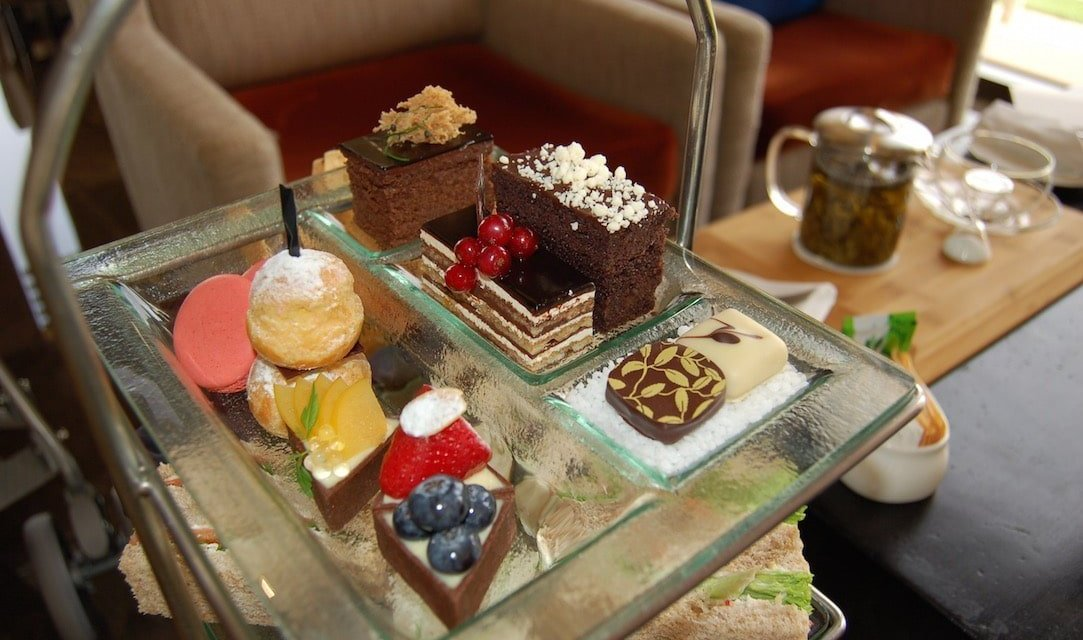 Afternoon tea at The Lounge, Westin Abu Dhabi