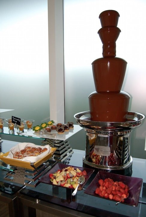 Aqua brunch chocolate fountain