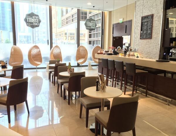 Fifth Street Cafe Courtyard Marriot WTCAD Abu Dhabi Arabian Notes 17