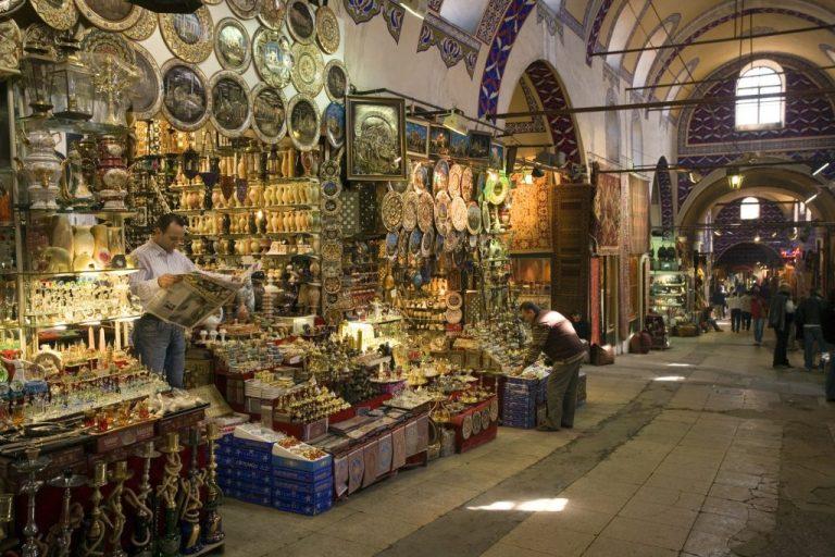 سوق البخاريّة القابع في وسط البلد بعمّان