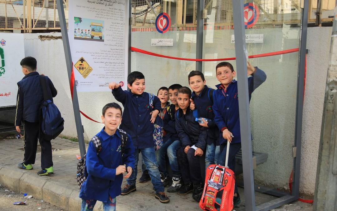 عامل تنشأ مساحة آمنة للأطفال حي السلم