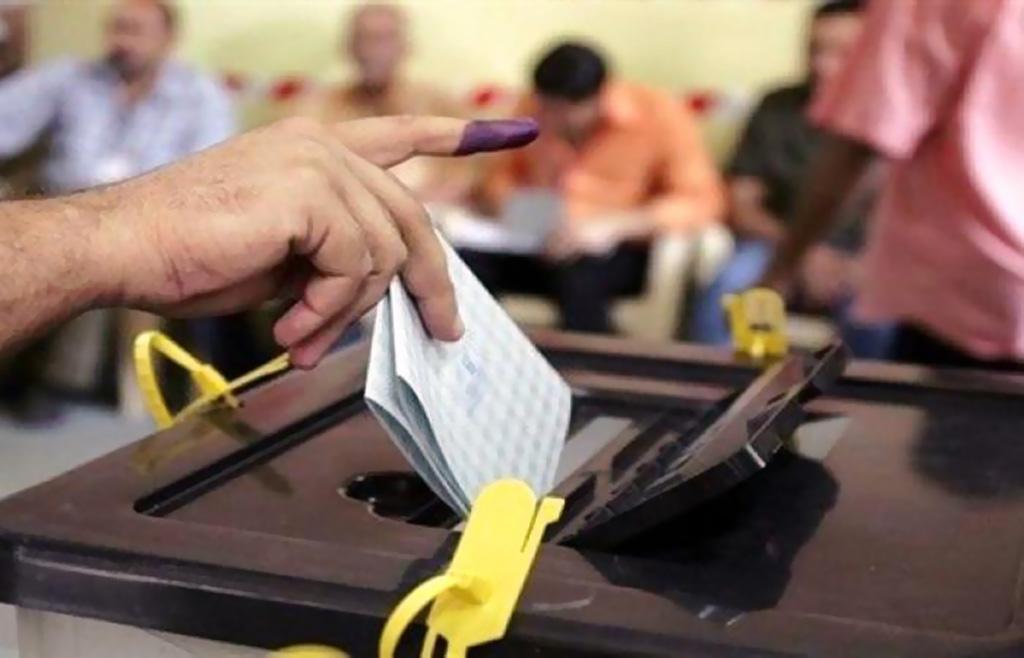 فتح مراكز الاقتراع في الانتخابات التشريعية في باكستان