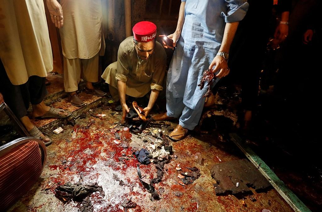 20 قتيلا في هجوم انتحاري استهدف تجمعا انتخابيا في باكستان