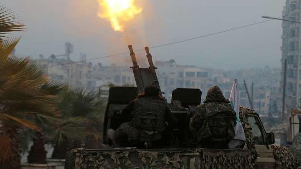 الدفاعات السورية تتصدى لغارة إسرائيلية وتصيب طائرة