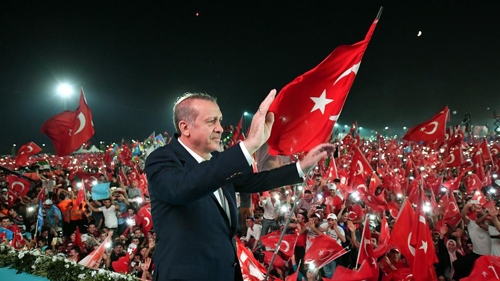 أردوغان يعاقب وزيري العدل والداخلية الأمريكيين