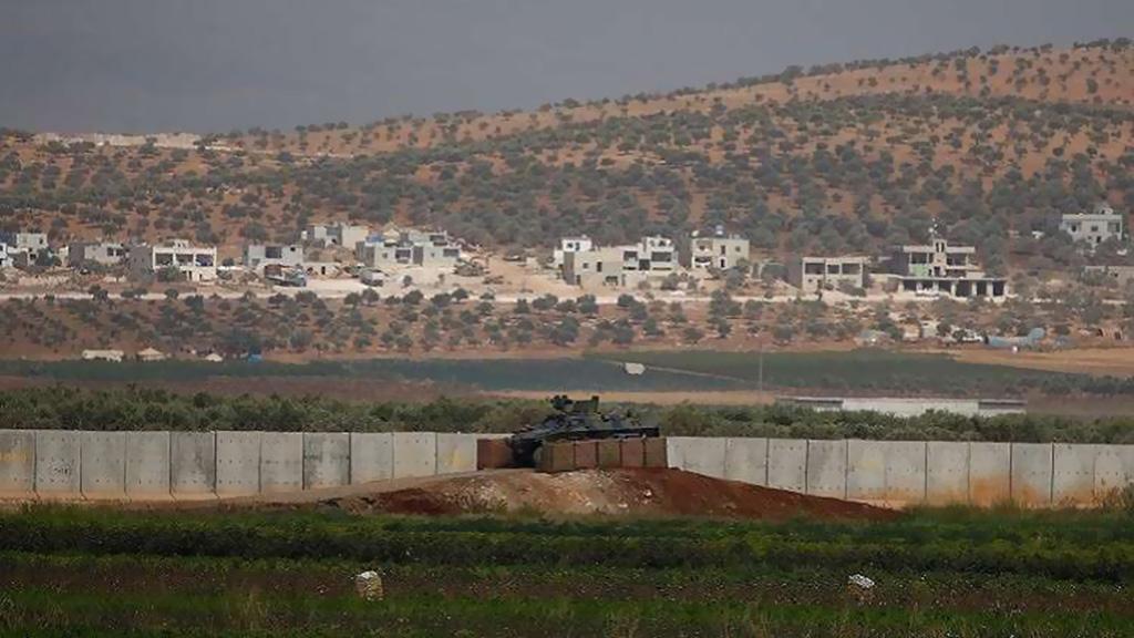 تركيا تبدأ ببناء جدار عازل في إدلب
