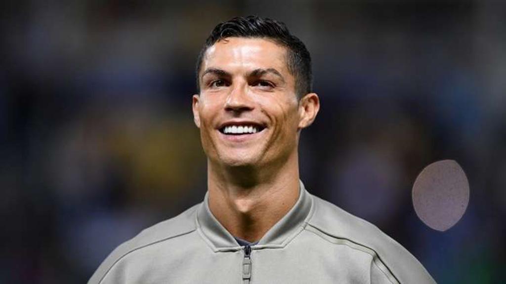 """رونالدو يكسر """"النحس"""" ويسجّل أولى أهدافه"""