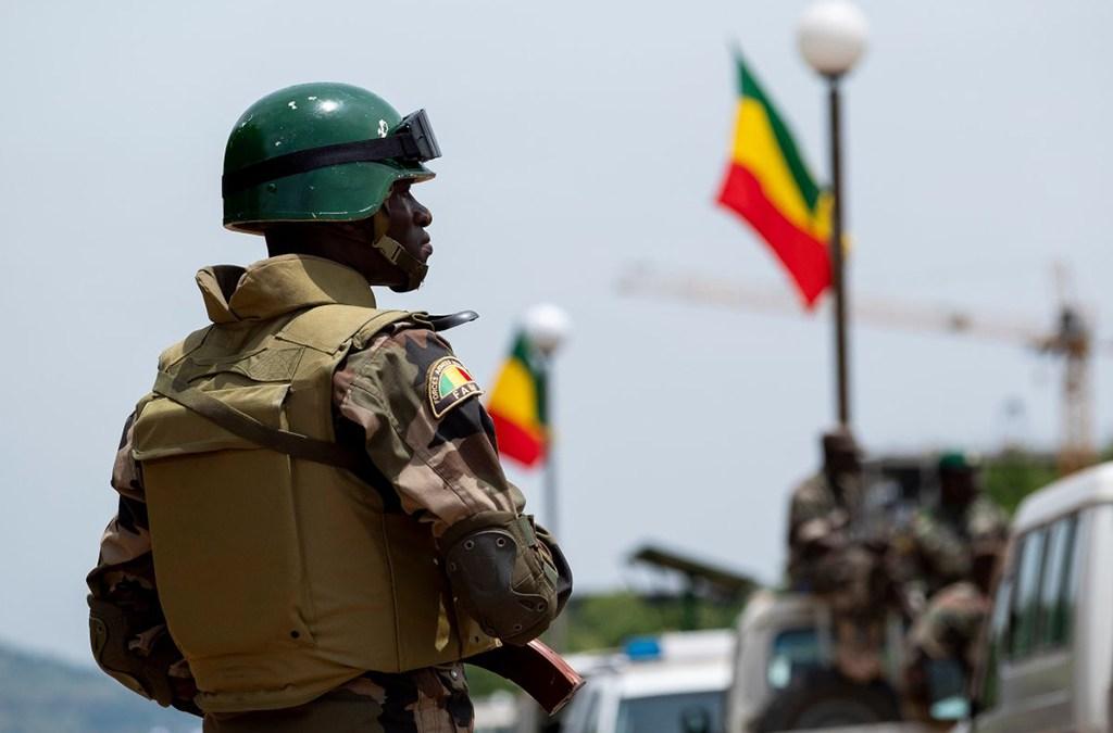 مقتل جنديين ماليين على الأقل وإصابة 7 آخرين في مكمن بوسط البلاد