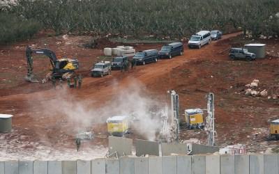 """""""إسرائيل"""" تستأنف أعمال الحفر على الحدود الجنوبية"""