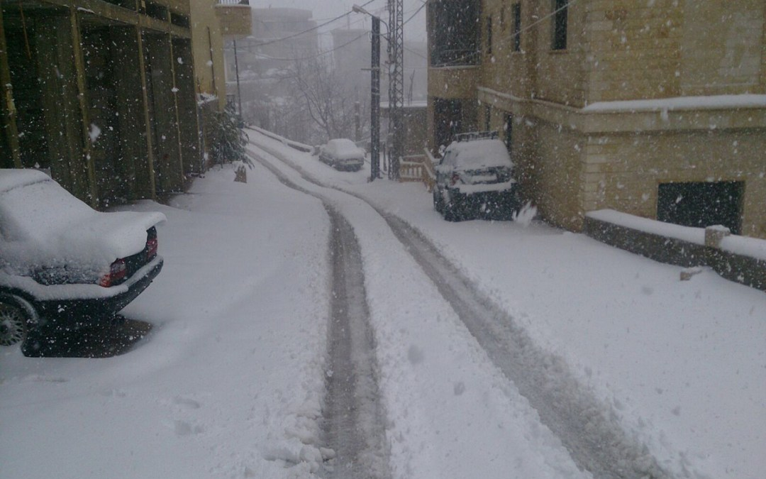 استمرار المنخفض الجوي البارد والطقس غدا عاصف والثلوج على ارتفاع 1100 متر