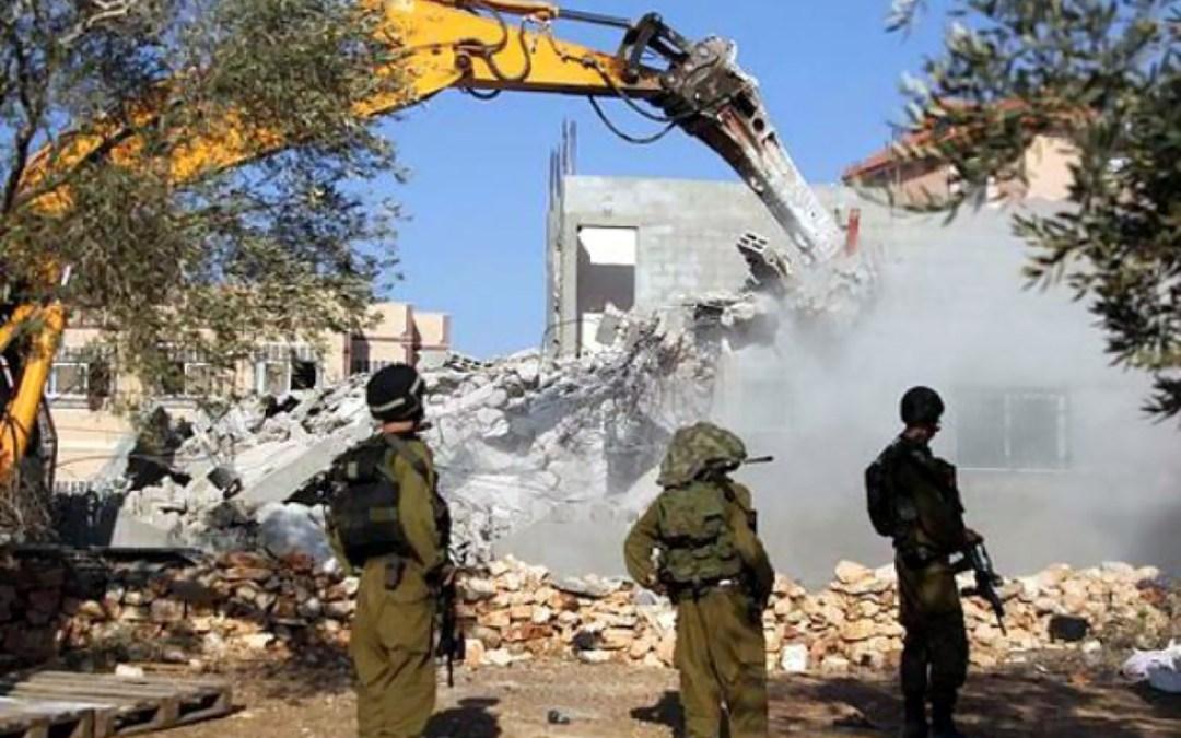 شرطة الاحتلال تهدم مساكن العراقيب للمرة 149
