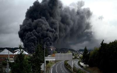 السلطات الفرنسية اعلنت إخماد حريق مصنع المواد الكيميائية في روان