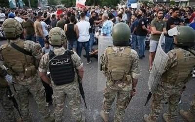 الجيش اوقف عددا من الاشخاص بصيدا بعد اقدامهم على تحطيم سيارات المارة