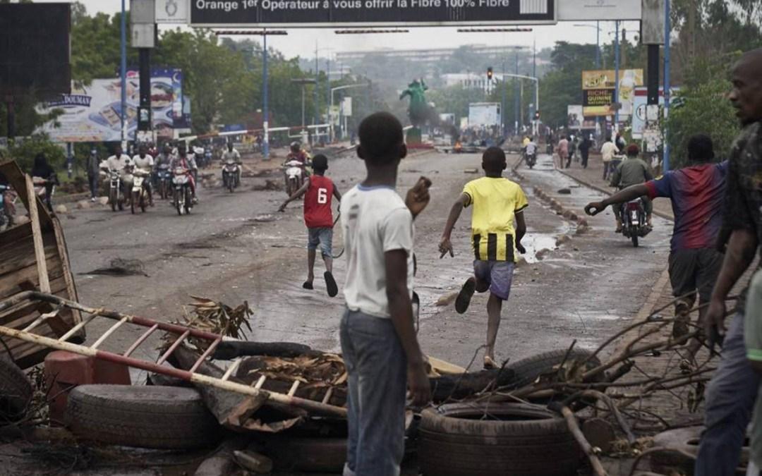 وسائل إعلام: 11 قتيلا و120 جريحا في احتجاجات مالي