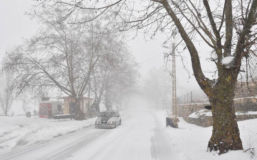 طقس نهاية الاسبوع عاصف.. والثلوج على الـ 900 متر