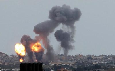 الاحتلال شن غارات على قطاع غزة فجرا
