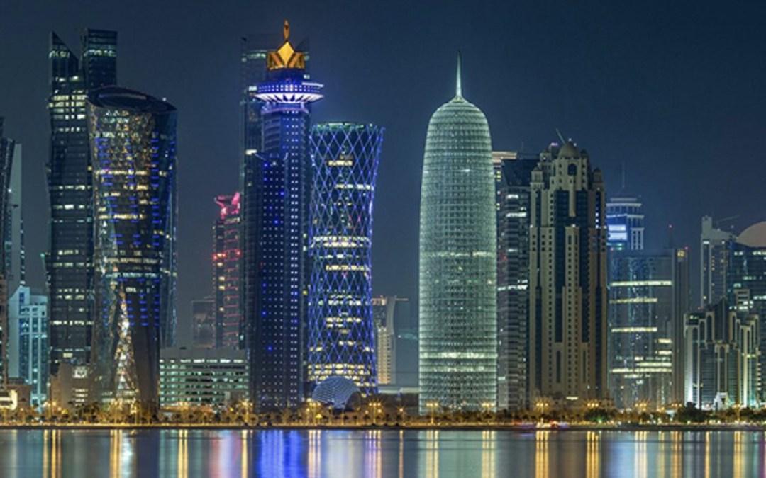 قطر تعيد فرض بعض القيود على خلفية موجة ثانية وسلالات جديدة من كورونا