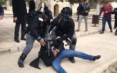 قوات الاحتلال تقتحم المسجد الأقصى وتعتقل مصلين