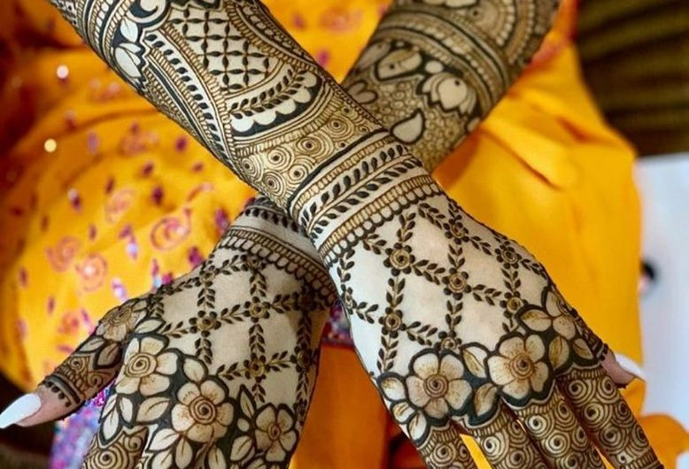 Trending Designer New Bridal Mehndi Designs 2020 For Hands And Feet