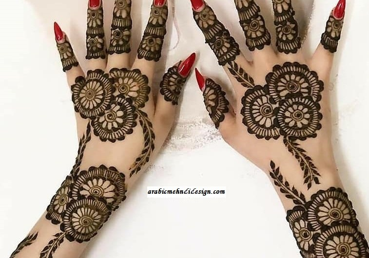 Latest Stylish Engagement Mehndi Designs 2020 For Your Hands