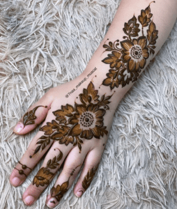 mehndi design simple 2020