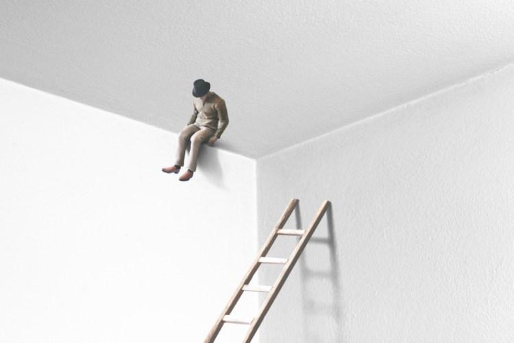 أعراض اضطراب تبدد الشخصية