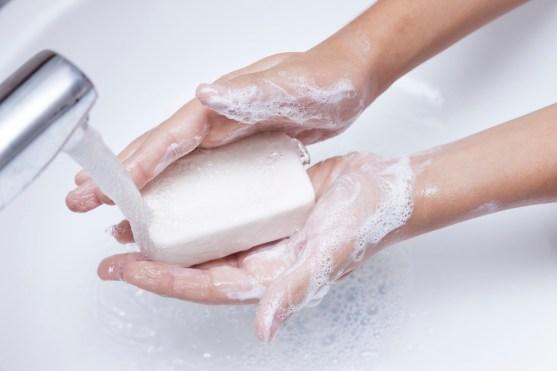عدم غسل اليدين