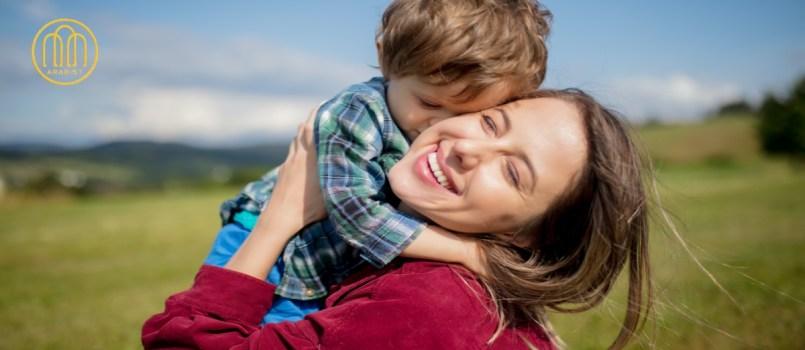 تعليم الطفل حسن الخلق