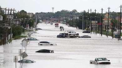 """Photo of الإمارات وقطر تتبرعان بملايين الدولارات لمتضرري إعصار """"هارفي"""""""