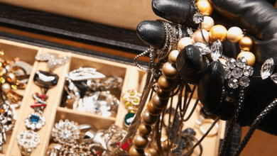 Photo of ضبط خادمة سرقت مجوهرات بنصف مليون من فتاة سعودية