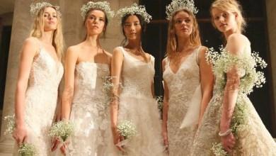 "Photo of ""ملكة الرومانسية"" ترتدي أزياء ريم عكرا يوم زفافها"