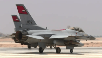Photo of مصر.. تدمير 10 سيارت محملة بالأسلحة قادمة من ليبيا