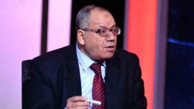 Photo of بعد منعه تلفزيونيا.. إحالة محامي الجينز الممزق للمحاكمة