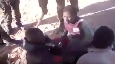 Photo of أفراد بزي جيش الجزائر يعذبون مهاجرين