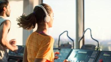 Photo of أثناء ممارسة الرياضة.. الموسيقى تخفف الألم