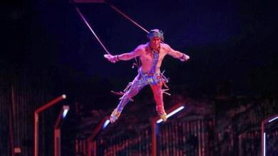 Photo of لاعب سيرك شهيرا يسقط خلال العرض ويلقى حتفه