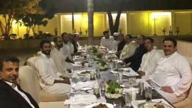Photo of صورة.. ابتسامات قادة العرب على مائدة عشاء بسيطة