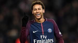Photo of نيمار ينال جائزة أفضل لاعب في فرنسا ويتكتم على مستقبله