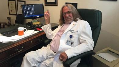 Photo of طبيب ترمب السابق: أغاروا على عيادتي لسحب ملف الرئيس الطبي