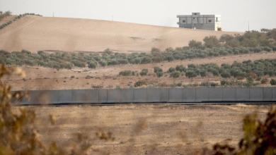 Photo of تركيا تنتهي من بناء جدار على طول الحدود مع سوريا