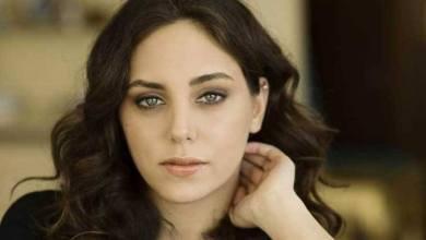Photo of عقد قران الممثلة التركية أويكو كاراييل.. وفستانها يثير الجدل – (صور)